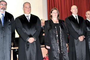 Insignia del Colegio de Abogados por cumplir 25 años en la profesión